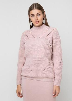 Очень красивый теплвй свитер 30% шерсти