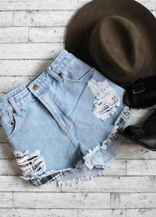 Крутые джинсовые шорты с дырками и лапшой)