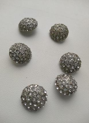 Лот из шести винтажных пуговиц с кристаллами