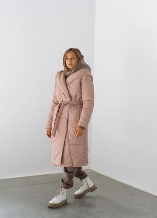Куртка пальто пуховик зимний пудра розовый светлый с капюшоном одеяло халат с поясом