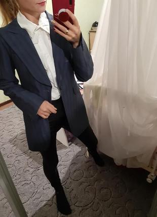 Шикарный  удлинённый пиджак,жакет прямого кроя