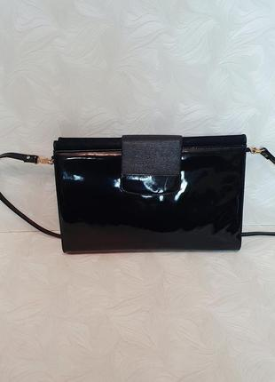 Кожаная лаковая сумка bally