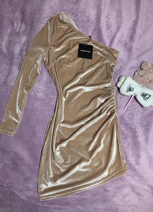 Романтическое, роскошное платье