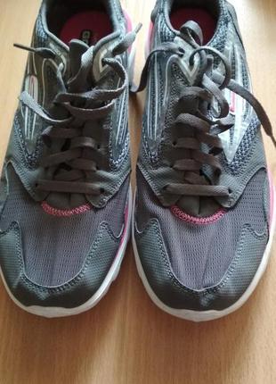Кроссовки для бега, фитнеса