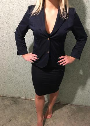 Классический женский костюм