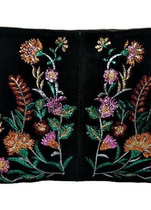 Замшевая  итальянская женская черная сумочка, клатч с вышивкой mango. код п38963