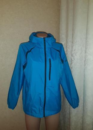 Курточка, ветровка в отличном состоянии