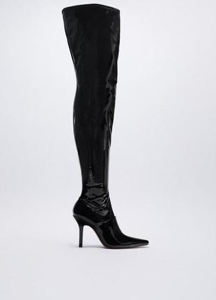 Лакированные ботфорты на каблуке zara