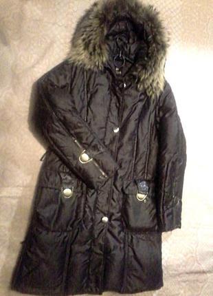 Пальто-пуховик с капюшоном утеплитель пух,перо от karuna