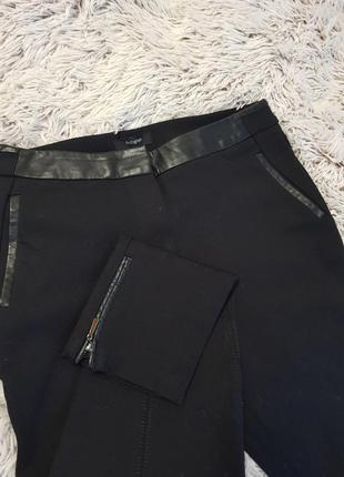Крутые брюки леггинсы с отделкой из эко-кожи
