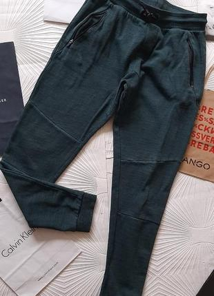 🎅 крутые штаны тёмно-зелёного цвета