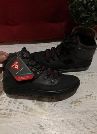 Новые натуральные фирменные ботинки на флисе 38р.