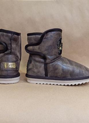 Коричневые угги ботинки дутики на липучках зимние