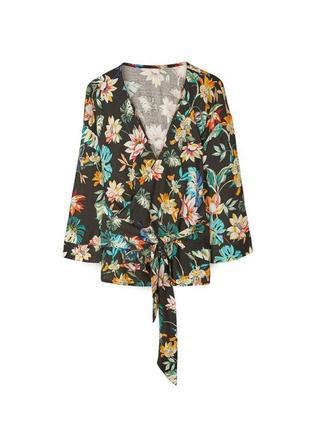Крутая блуза на запах с поясом и цветочным принтом stradivarius