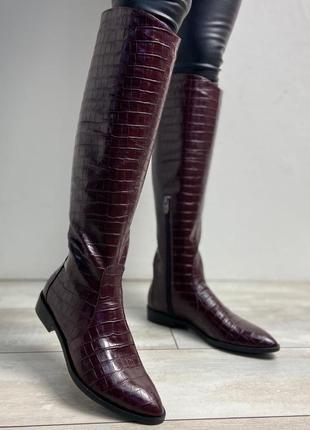 Сапоги из натуральной кожи крокодил с острым носком