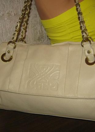 Шикарная кожаная сумка в отличном состоянии из натуральной кожи