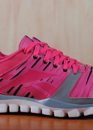 Розовые кроссовки reebok realflex, рибок. 40.5 - 41 размер. оригинал
