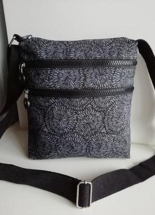 Красива фірмова багатофункціональна англійська сумка кросбоді etro!!!