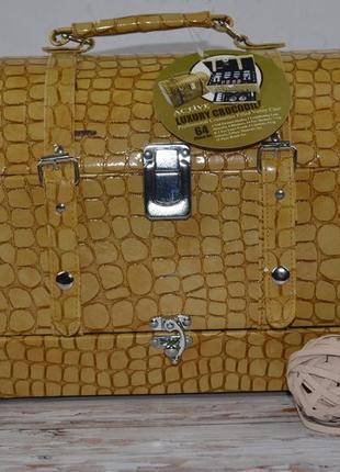 Косметический бюти кейс с набором косметики active cosmetics luxury crocodile professional