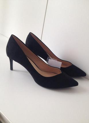 Туфли bershka черные каблук низкий