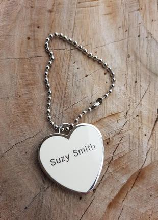 Брелок металлический с зеркалом suzy smith