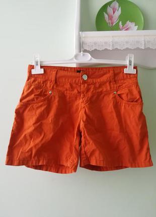 Оранжевые шортики