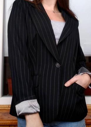 Черный пиджак в белую полоску new look