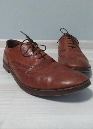 Мужские коричневые туфли оксфорды броги  в хорошем состоянии.
