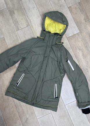 Зимняя спортивная куртка,лыжная куртка