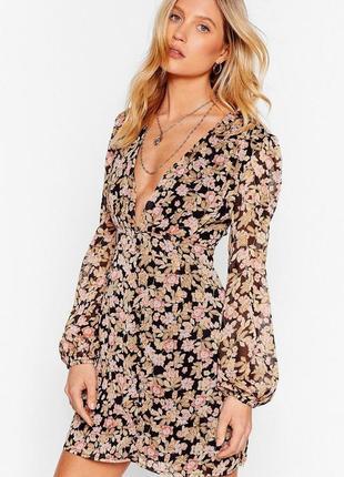 Нежное новое  платье в цветочный принт nasty gal p.s/m