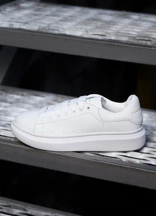 Alexander mcqueen white женские кожаные зимние кроссовки белого цвета 😍