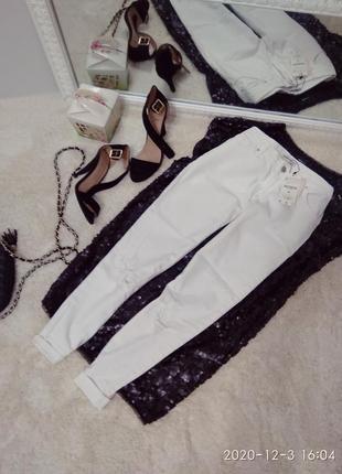 Круті білосніжні джинси з потертістю р.xxs