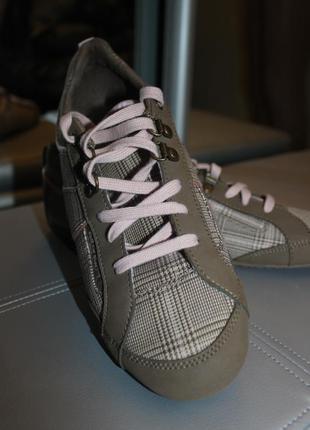 Прогулочные кроссовки р 41