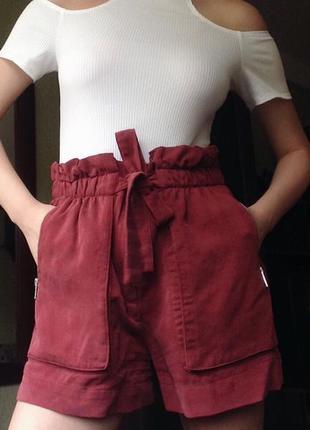 Красные шорты zara size m