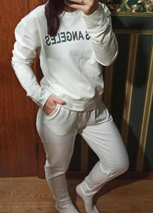Новый спортивный костюм для девушки !супер цена!