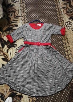 Платье  новое шерсть польша