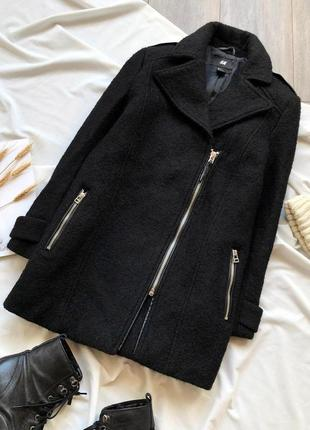 Чорне пальто - косуха