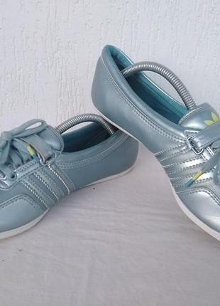 Кроссовки кожанние adidas sleek series р.37.5