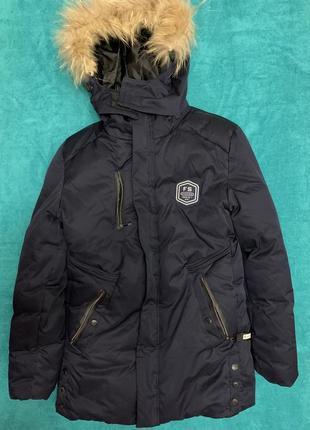 Зимняя куртка на подростка рост  164 см