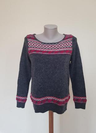 Тёплый брендовый свитер с шерстью альпака