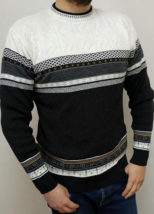 Мужской, мягкий, классический, теплый свитер с шерстью.