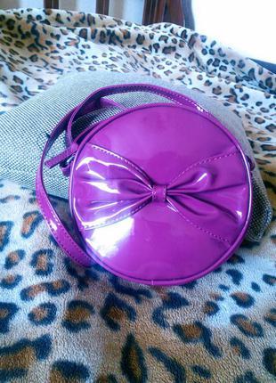 Новая маленькая сумочка через плечо малинового цвета terranova!!скидка -15%
