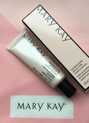 Выравнивающая основа под макияж mary kay