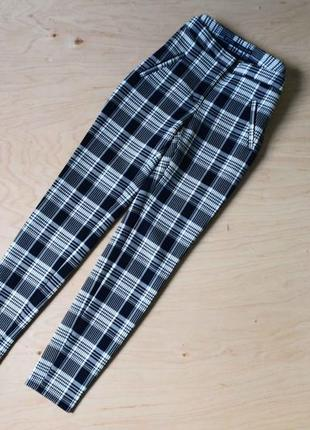 Красивые стильные брюки в клетку zara  в отличном состоянии