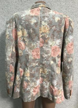 Стильний жіночій піджак3 фото