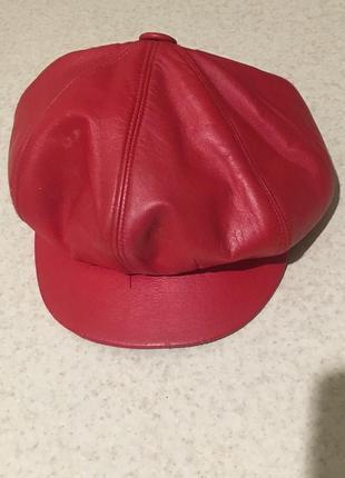 Кожаная кепка (утепленная с ушками)