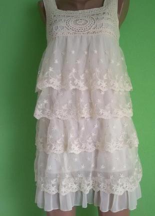 Платье ажурные цвета шампань