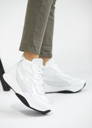Стильные зимние кроссовки из натуральной кожи