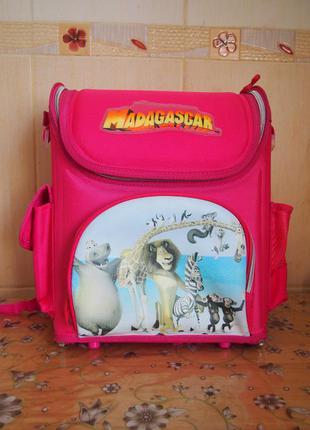 Школьный рюкзак розовый мадагаскар