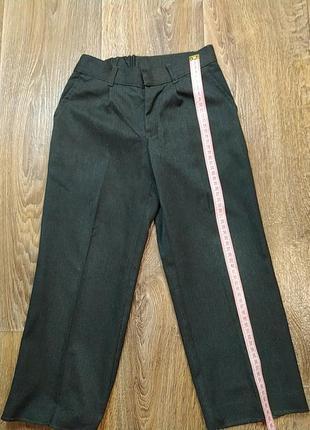 Серые брюки на мальчика детский сад